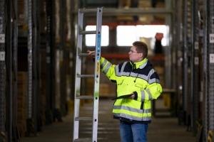 Befähigte Person für die Prüfung von Leitern, Tritten und Regalen